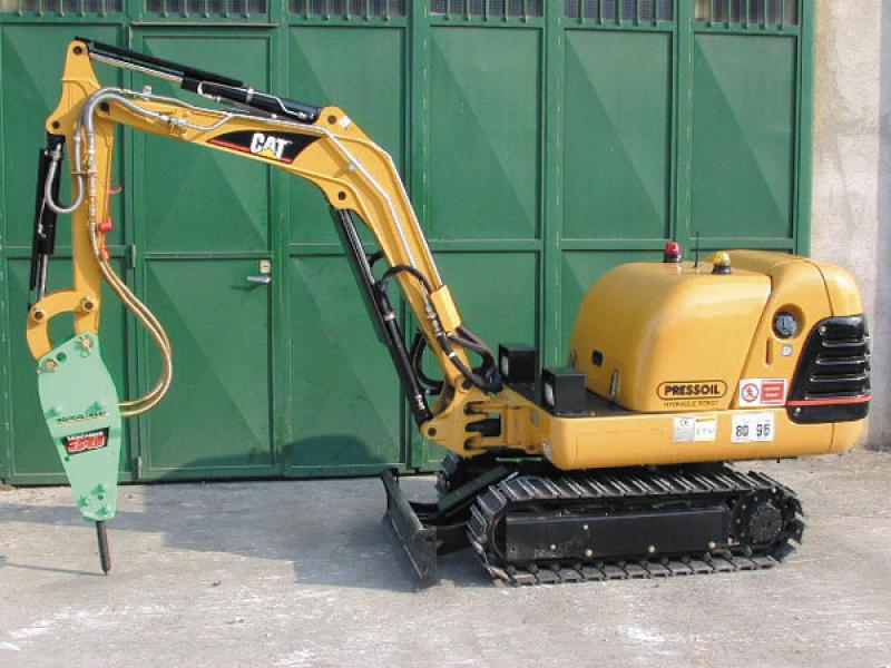 Special machines for demolition and special works: radiocontrols